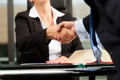 honorarios advocatícios contratuais