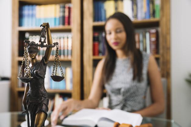 imagem de uma advogada